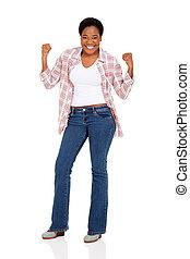 tenencia, puños, mujer africana, joven