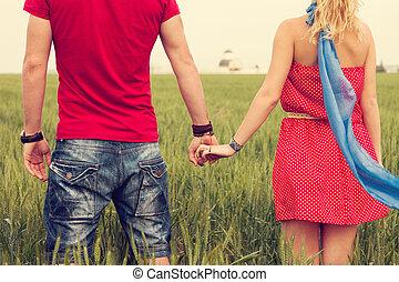 tenere mani, coppia