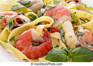 tenger gyümölcsei, metélt tészta