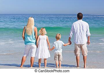tengerpart, család portré