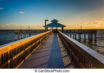 tengerpart, este, florida., fény, halászat, myers, móló, erőd