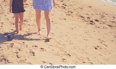 tengerpart, lány, anya, 4k, gyalogló