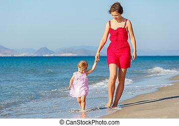 tengerpart, lány, anya