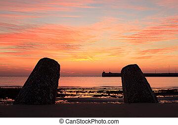 tengerpart, móló, napkelte