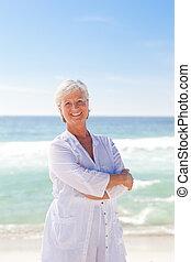 tengerpart, nyugdíjas, nő, boldog