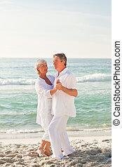 tengerpart, párosít, nyugdíjas, tánc