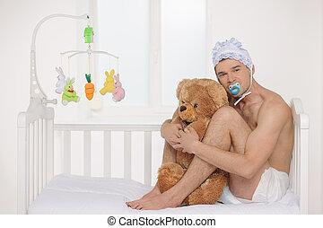 teniendo oso peluche, cama, bebé, baby., adulto, sentado, hombre, infante, pañal, grande, mientras