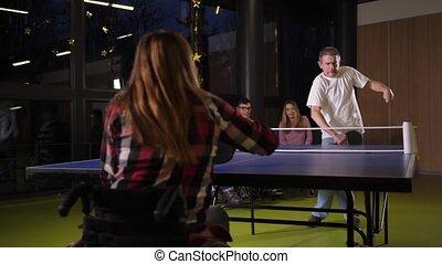 tennis, joyeux, handicapé, intérieur, jouer, table, gens