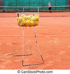 Tennis, tennis balls, court