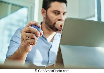 tension, bureau, business, ordinateur portable, pression, adulte, sous, utilisation, homme