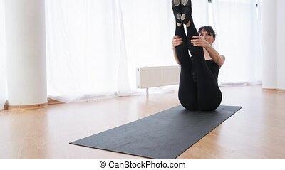 tension, femme, sportif, sièges, abs, mouvement, lent, ...