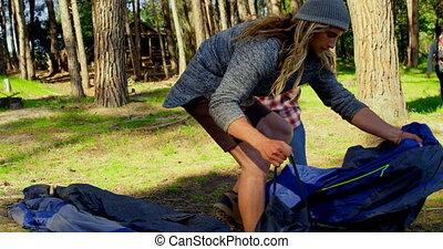 tente, couple, forêt, monture, jour ensoleillé, haut, 4k
