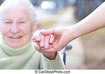 tenue femme, mains, jeune, personne agee, dame