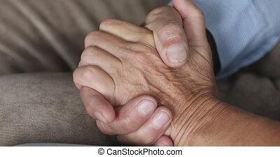 tenue, grands-parents, personne agee, mains, vue, grand...