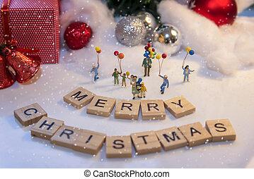 tenue, heureux, fête, year., miniature, famille, debout, groupe, boîte, nouveau, ballons