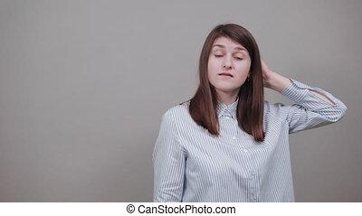 tenue, important, cheveux, touchers, regrets, forgot, distrait, tête, main, quelque chose