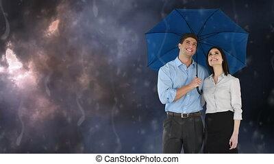 tenue, sous, couple heureux, pluie, parapluie
