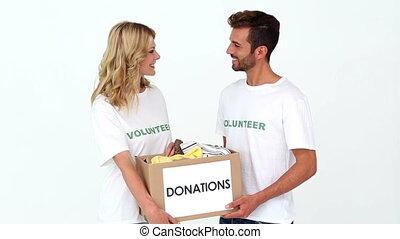 tenue, volontaires, donations, deux, boîte