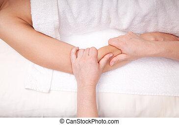 terapêutico, músculos, tecido, antebraço, profundo, terapeuta, mulher, massagem