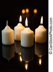 tercero, domingo, en, advenimiento, velas, con, fondo negro