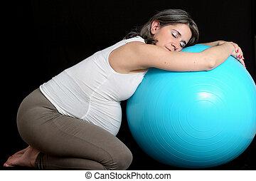 terhes nő, és, tornaterem, labda