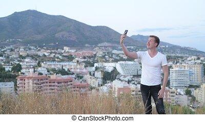 természetjáró, bevétel, fiatal, időz, hegy, mosolyog bábu, selfie, jelentékeny