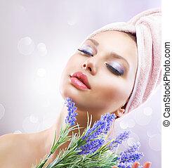 terme, ragazza, con, lavanda, flowers., organico, cosmetica