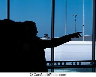 terminal, aéroport, silhouettes, gens