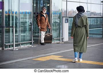 terminal, couple, vieilli, réunion