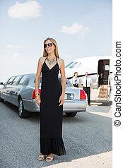 terminal, elegant, flygplats, kvinna, klänning