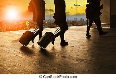 terminal, ludzie, powietrze, pieszy, miejska scena, gmach, bagaż, niebo, tło, przelotny, lotnisko, komplet, podróżowanie, słońce, samolot