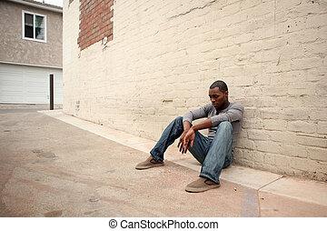 terneergeslagen, neiging, jonge, tegen, muur, amerikaan, steegje, afrikaanse man