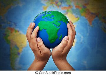 Terra, bambino, concetto, ecologia, mani