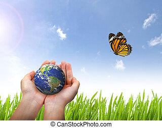 terra, planeta, e, borboleta, em, mão feminina, ligado, céu azul