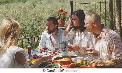 terrasse, amis, déjeuner, avoir, plein air