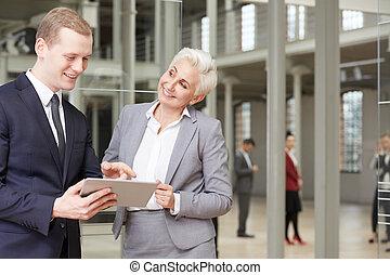 terv, használ, elemzés, businesspeople, tabletta