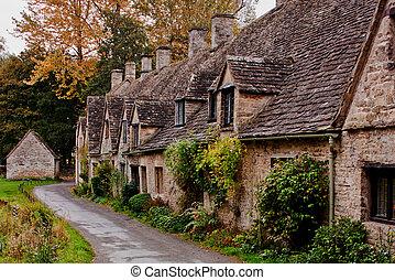 Tessitori arlington cottage fila tessitori vecchio for Vecchio cottage inglese