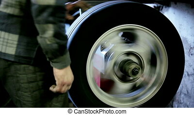 Testing tires wheels - At the station of the service being...