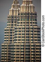 tető, erkély, közül, petronas emelkedik, -ban, félhomály, kuala lumpur, malaysia