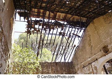 tető, fémből való