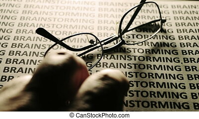 texte, tapotement, doigt, brain-storming