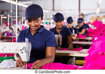 textiel, naaiwerk, arbeider, jonge, afrikaan