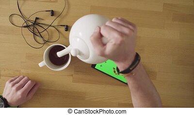 thé, boire, smartphone, homme
