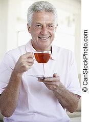 thé, boire, vieilli, homme, milieu