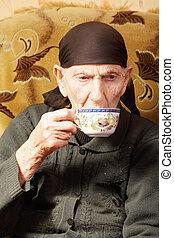 thé, femme aînée, tasse