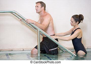 thérapie eau, instructeur, patient, subir