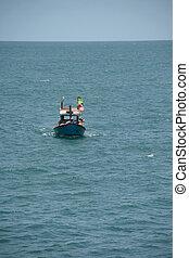 boat sailling