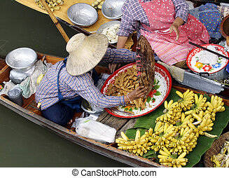 Thai Floating Market - Traditional floating market near...