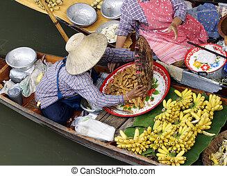 Thai Floating Market - Traditional floating market near...