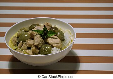 green curry chicken with rice noodles